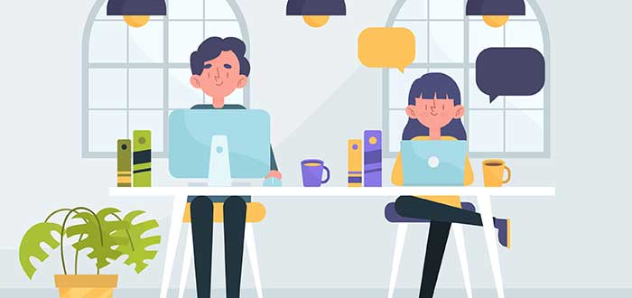 freelancers-trabajando-hot-desk