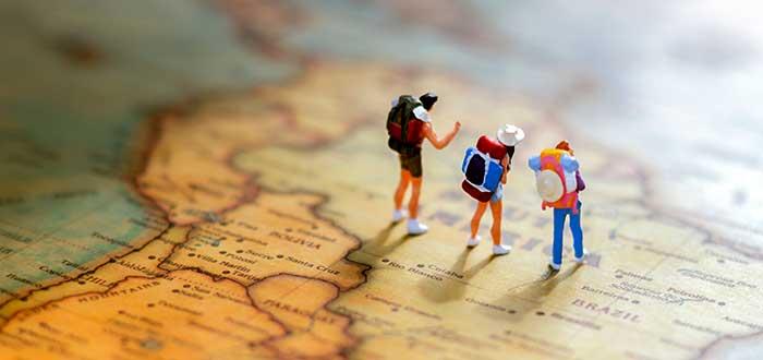 miniaturas-equipo-de-viajeros-por-el-mundo