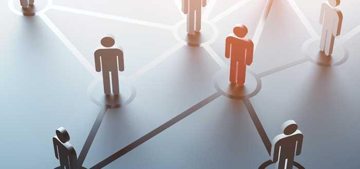 ilustración - figuras ubicadas sobre una red red