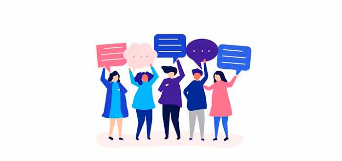 personas-hablando-sobre-proyecto-aristoteles