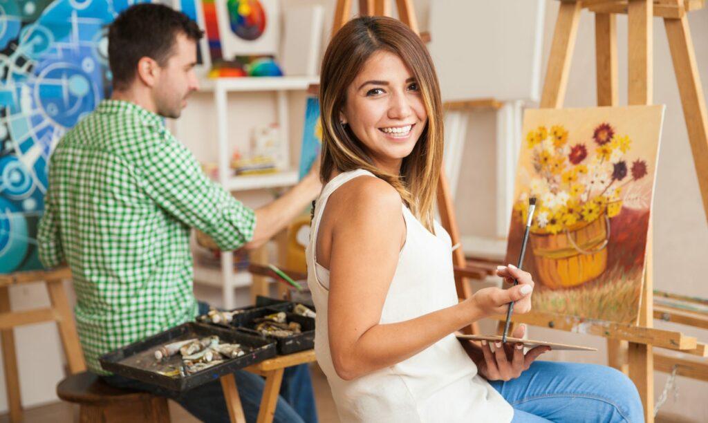 pintores-juntos-en-espacio-compartido