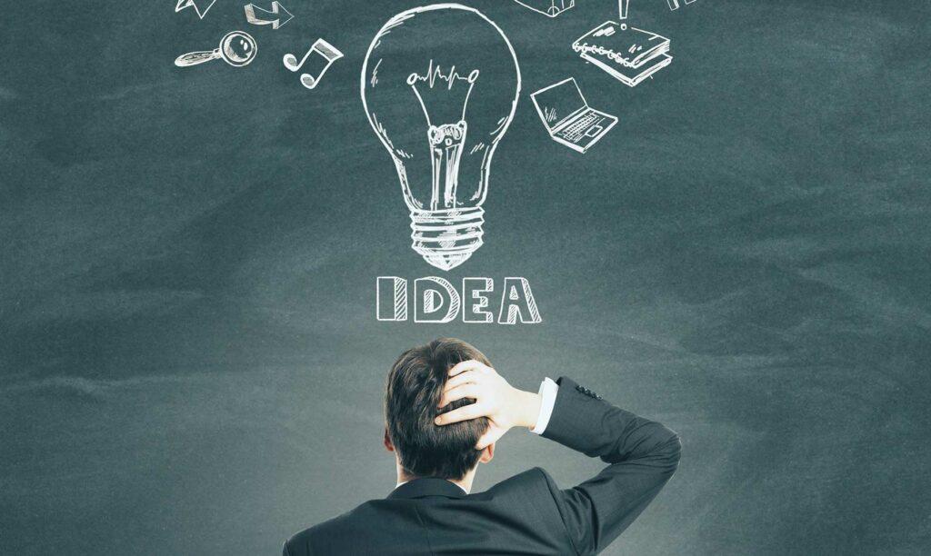 chico-intraemprendedor-ideando-un-proyecto