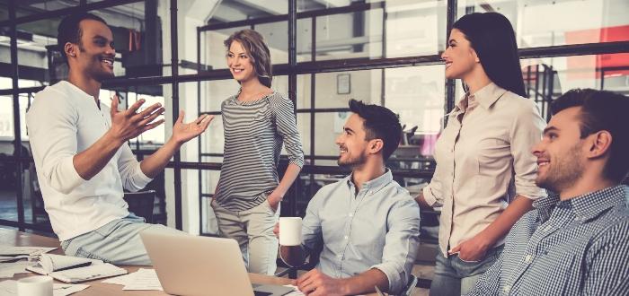 Comunicación-fluida-entre-equipo-de-trabajo