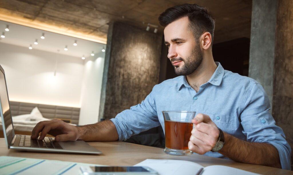 Hábitos-rutina-de-mañana-de-personas-exitosas