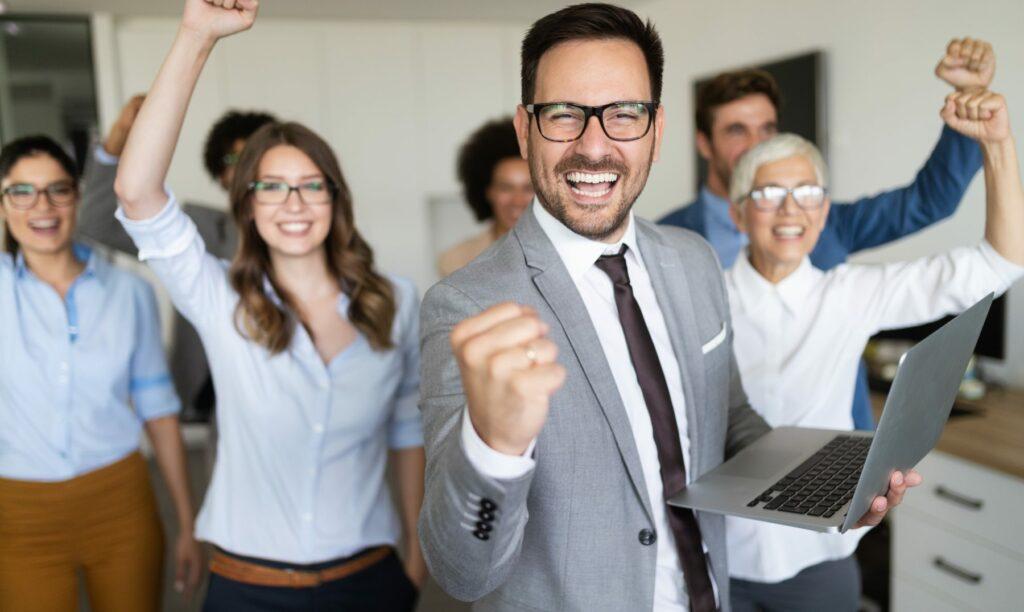 emprendedores-felices-exitosos