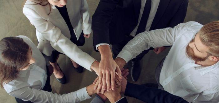 Grupo de trabajo cerrando acuerdos