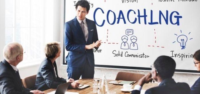 Características de un líder   Equipo reunido